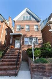 Great opportunity to own in the prestigious Forest Hills neighborhood. This charming elegant duplex is a MUST SEE! All the amenities you can want or need. 2 car garage and cozy back porch to name a few. Schedule your appointment today, this property won't last!