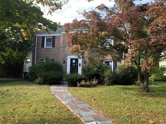 This beautiful brick house located in a cul-de-sac has 3 bedrooms, can be 4 and 3 full baths. Located in a prime location with a nice size yard. Give this Colonial your TLC and you can turn this house into your home.
