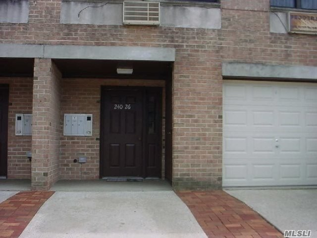 Large Duplex Appt With W/D, Family Rm, Bath On Lower Level.