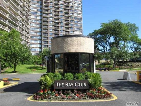 Sun filled bright and beautiful unit with terrace. 24 Hr gated community, health club, pool, tennis, shopping arcade, express bus to City. freshly painted. Beautiful scenery from your balcony.