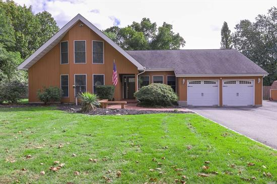 This Beautifully maintained home(Set at end of Quiet Culdesac) Features a Granite Eik W/Custom Thomasville Cabinets & High End SS Appliances, Beautiful Open floor Plan, Great Room W/FP, Sunroom W/Gas FP, Ground Floor Spacious Master BR Suite W/WIC & New Master Bath W/Radiant Heat, Ground Floor Laundry too, Gas Heat, CAC, (Compressor 3 yrs)all Updated Pella Windows(3X6), Skylights, Updated 30 Yr Arch Roof(6 Yrs) & IGS-Set on shy 1.5 Acres of Gorgeous Country Club Yard W/IGP