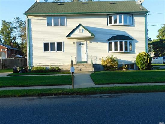 Nice Apt In Farmingdale. Large Living Area-Brand New Kitchen-Comfortable Bath-Large Master Bed-2 Formal Size Beds-Walk To Shopping Area-Nearby So. State-Plus Gas Electric A must See.