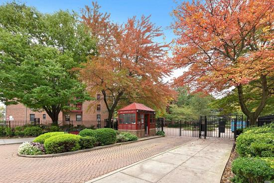 completely renovated large 2 bedroom corner unit in 24 hours gated community with lots of windows and natural lighting, hardwood flooring and updated kitchen with top appliances including a washing machine.1 parking sold separately. PS 165Q elementary school/ Ivy day school / Townsend Harris H.S/ Queens college , 10 Mins Q64 bus to E/F Train, Q25/34 to Flushing. Convenient to all, near playground, Supermarkets, Banks, Restaurants, Pharmacy....etc. Sublet allowed after 2 years