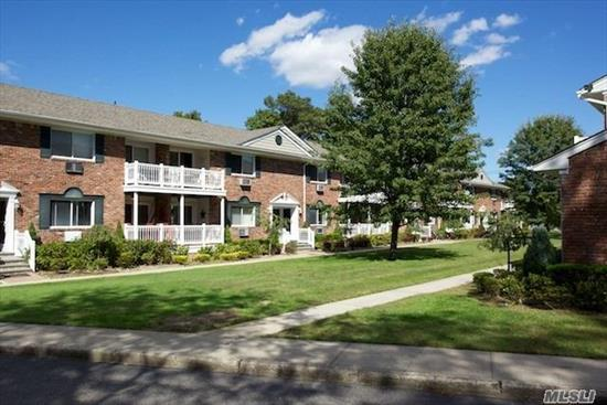 Private Entry, Spacious, Air-Conditioned, 1 Bedroom & Junior 1 Bedroom Apartments. Separate Dining Area, Some With European Kitchens And New Appliances. Window Treatments. Terraces. Lavishly Landscaped Grounds. Walk To Shops & Lirr. Prices/policies subject to change without notice.