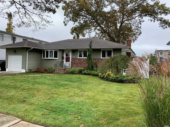 Lovely Skylit Ranch On Quiet Dead End Block, CAC, Jetted Tub in Master, Deck, Finished Bsmt