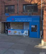 1st floor office or storefront. Excellent condition. Cross street of Union St. Heart of downtown Flushing.