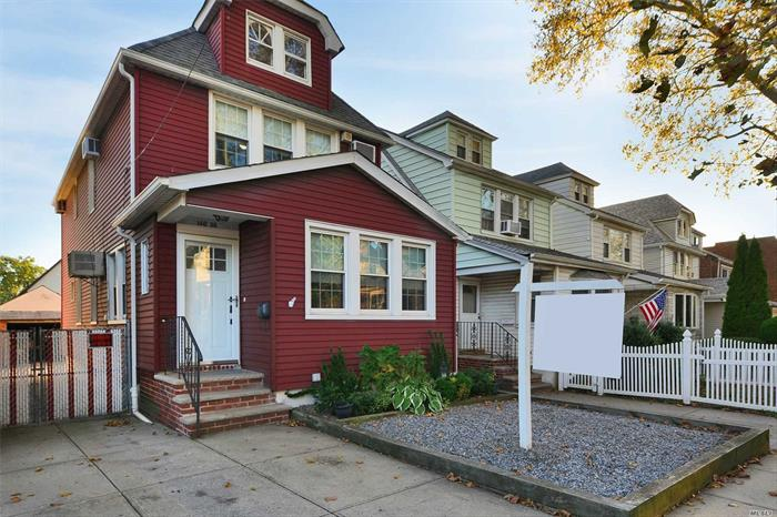 Just arrived- great opportunity to purchase a detached 3 bedroom, 2 full bath home on a great block in Whitestone. Well maintained by long time owners. School District 25- P.S. 079, J.H.S 185, Flushing H.S.