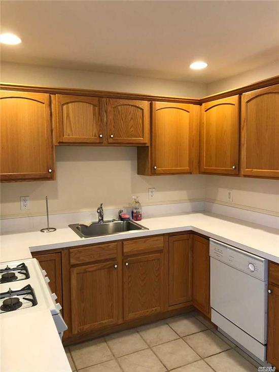 NEW CARPET AND PAINT, GREAT LOCATION SUBJECT TO RULES AND REGS FOR THE GREENS Tenant pays Monthly social Fee $225.00 Tenant responsible for Homeowners Fee of $1500.00 per year