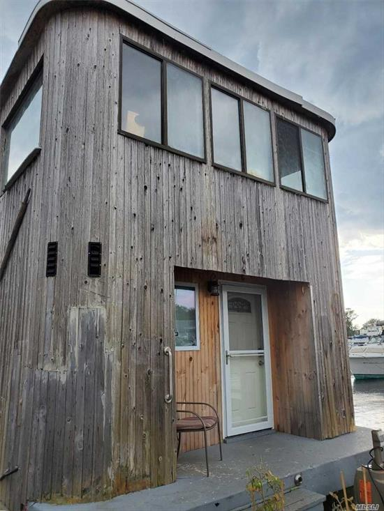 Housebarge in Manhasset Bay Marina. Four bedroom one bathroom