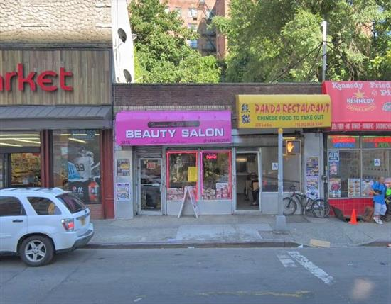Lovely Storefront on Busy Street in the South Bronx for Rent. Currently Used as a Salon, this Property Can Be Used for a Variety of Different Businesses. Conveniently Located Near Public Transportation.