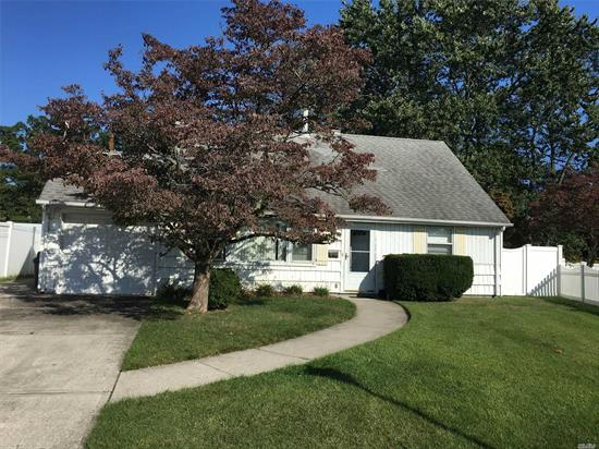 SPACIOUS 4 BEDROOM EXPANDED CAPE WITH EXTRA FAMILY ROOM, NEW BURNER, GREAT SIZE YARD. SEAFORD SD #6, CLOSE TO LIRR. VERY CLEAN. QUIET STREET. M/D POSSIBLE.CLOSE ACCESS TO ALL MAJOR HIGHWAYS AND PARKWAYS. OWNERS ARE MOTIVATED TO SELL AND ARE ENTERTAINING ALL OFFERS. READY TO GO!!!