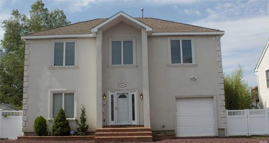 10 years young waterfront energy efficent 3-4 bedroom 3 full baths. Builders home. Lr, Dr, kitchen Fin 1 car garage. Master bedroom with Spa Bath & Walk in Closet. Private Road Dead end street