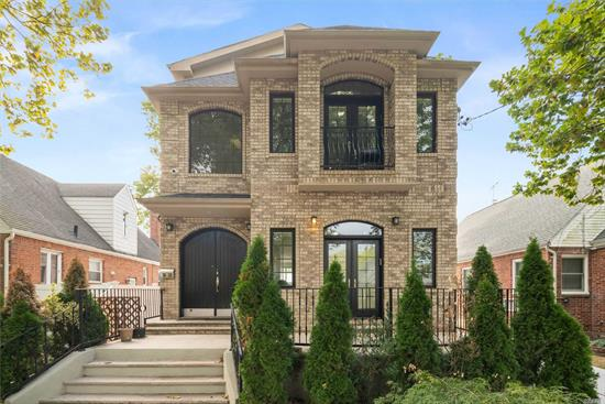 Magnificent brick, 4-bed, 3-full & 2-half bath home, built in 2010, 3, 680sf of luxury living. Gorgeous interior with 9' 10' ceilings, hardwood and tile flooring throughout, and ample living space. An open concept layout with spacious living and dining room areas, a den and a state-of-the-art kitchen outfitted with custom cabinetry, granite counter tops, and top-tier appliances. Master suite includes WIC & a full bath equipped with Jacuzzi tub. Two additional beds, a bath and XL finished attic.