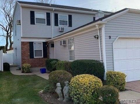 Freshly painted and renovated spacious mint condition 3 bedroom, 2.5 bath with updated EIK & appliances, adjoining laundry area, Sliders to the rear patio and fenced yard. In the heart of town with its many restaurants and shops and close to the LIRR. Tenant is responsible for snow removal.
