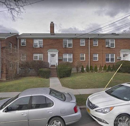 Great Location in a quiet neighborhood! Convenient to all, 2 mins away from Bus Q28 Q76, 4 mins walk to LIRR, 3 mins drive to 295.Huge bedroom with renovated bathroom and kitchen. Low maintenance! Parking space will come with the unit No Wait list!