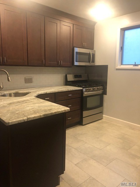 Mint 2 Bedroom 2 Bathroom Duplex - Steps from Forest Park, Transportation, Shopping Schools and Houses of Worship. Must show 2018 Tax return, photo id,