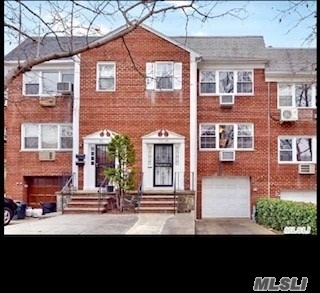 Very Bright Renovated Beautiful Large 2 Bedrooms 1.5 Bath, Liv/ Din, Terrace. Laundry In The Garage With Coin Operated, Hardwood Floors, Close To Shopping And Transportation.