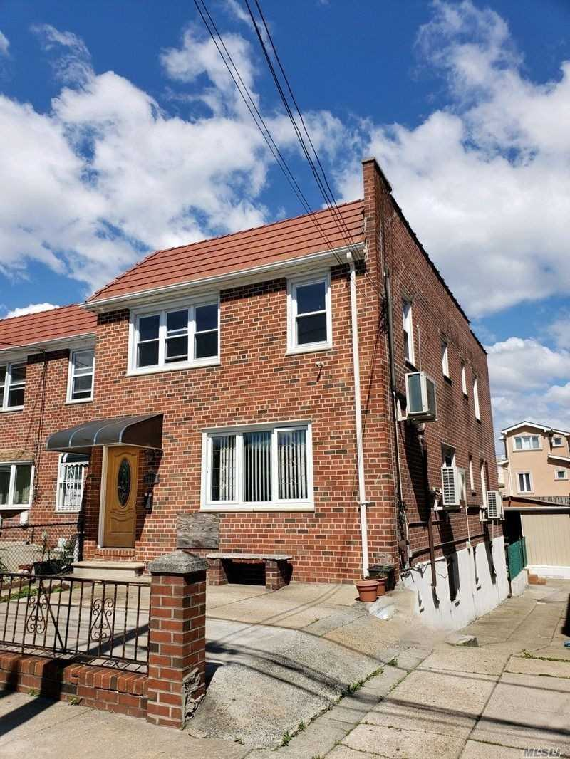5 year new windows, Central Air, 2 Kitchen, 2 Dinettes, 2 Living room, 3 Baths, 6 bedrooms, backyard, roof good condition, laundry room