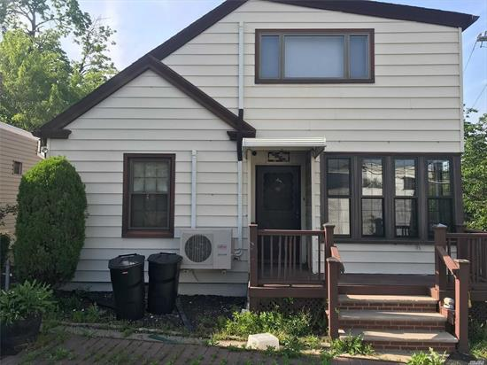 Whole House Rental With 3 Bedroom And 2 Full Baths. This House Is Convenience To All, Shopping And Parkways. Must See This Home Wont Last!