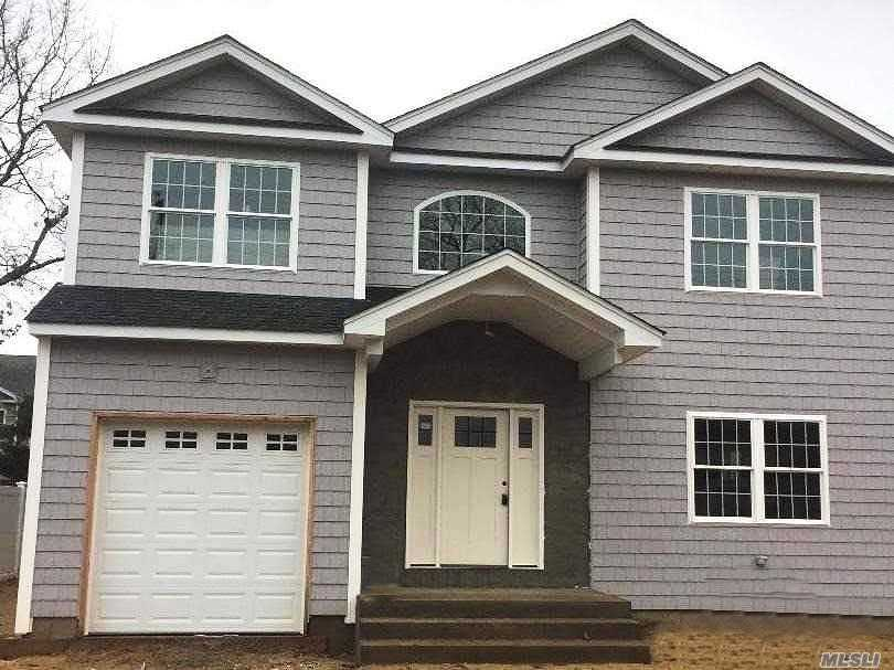 This Gorgeous New Colonial is Located in Prime Parkside Estates! Beautiful Custom Kitchen w/Center Island, Three Custom Tiled Baths, Master bath has jacuzzi tub, Hi Hats throughout,  Window Pane and Crown Molding Thru Out, Gleaming Hardwood Floors,  Gas Fireplace, Hydronic Heating System. **This is the Perfect Time to Customize Your Fabulous Dream Home!!** All Pictures are for Workmanship Only!!