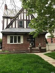 Full house for rent. 3 bedrooms, 2 full & 1 half bathroom, 1 kitchen, Large living room & dining room., good school district #26. big Backyard, deck, Big new attic & driveway. Washing machine & Dryer in the basement.Big renovated with bar in the basement. Near Bus stop & Supermarket.