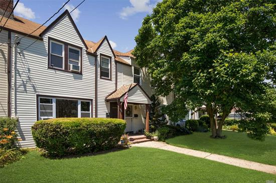 Welcome To This Charming Colonial Townhouse In The Heart Of Roslyn Heights Featuring A Spacious Living Room/ Wood Burning Fireplace, Formal Dining Room, Updated Kitchen With Gas Cooking. Wood Floors. Large Master Bedroom, 2 Additional Bedrooms, Full Updated Bathroom. House Also Has Gas Line. Private Fenced In Yard With Deck. Located In Walking Distance To Transportation. Roslyn School District.