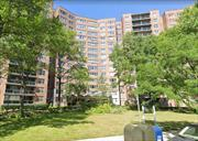 Luxury Hi-rise Jr-4 Apartment in Forest Hills NY 24/7 Doorman and Security. Maintenance includes all utilities+pool fee. Seasonal pool, Basketball Court, Children playground, Running Track & Tennis Court. Close to Shopping Center malls and Transportation. Unit is Facing South, Spacious and Sunny. Lot of Closets. With Excellent Condition.