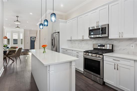 Enjoy luxury, an easy commute & outdoor lifestyle for a very low price. Rare Gem!