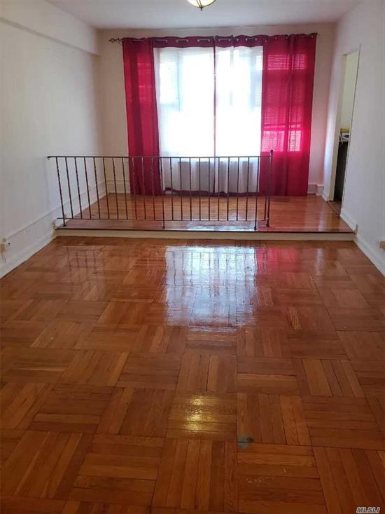 Studio on Walden Terrance on the top floor. Features: hardwood floor, big windows, tons of closets. Great location in he heart of Rego Park, next to the transportation, shopping malls and restaurants.