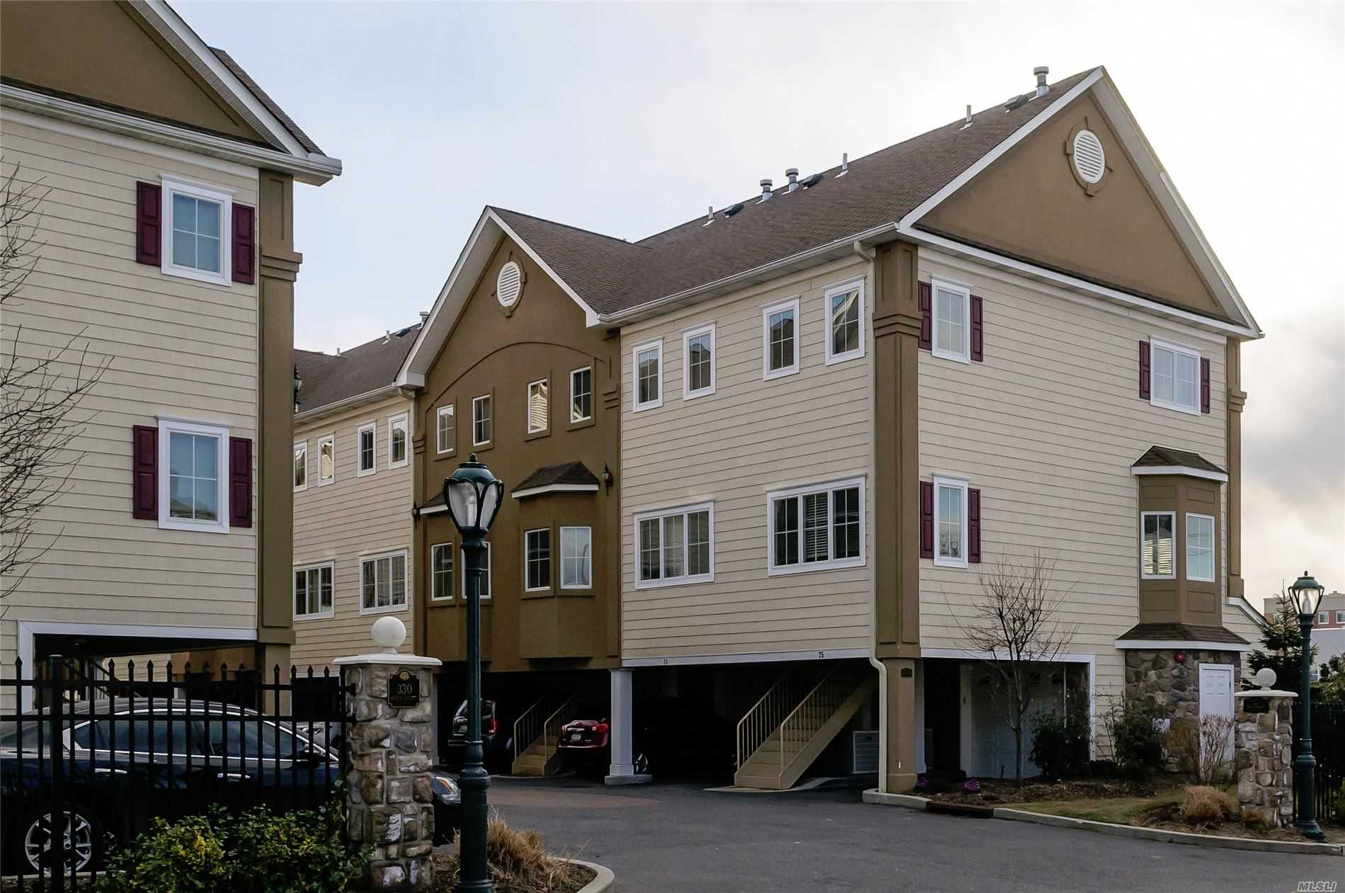 Luxury Townhouse Community. One Bedroom with One Car Attached Garage. A Must See! High Ceilings, Top of the Line Kitchen, Bedroom Suite on the 2nd Floor with Bath and large Closet, also have laundry in the unit-a must see!! Mid location/AAA