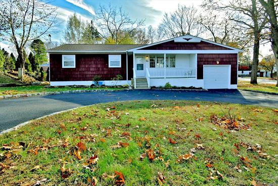 fully renovated 3 bedrooms 1 bathroom Ranch, wood floors all thru,  new kitchen, bathroom, appliances, new roof and fence,  Newer CAC, move in condition kings park schools, corner property,  IGS. fully finished basement with OSE, spacious for the extended family,  close to parks and River. easy to show