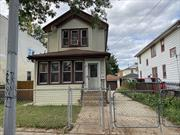 Detached, single family home in Saint Albans. The property has a detached garage, private driveway and a large lot. Walking distance to the Q42, Q4, Q5, Q85 and Q84 buses. Don't wait, call now!