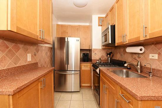 Meticulously updated 1 bedroom apartment with stainless steel appliances in the prestigious Eden Rock building. This pet friendly building features a doorman, laundry room, and a 24 hour gym. Conveniently located within minutes to buses, transportation, shopping, Briarwood Station, and the E and F trains. Ready to move in.