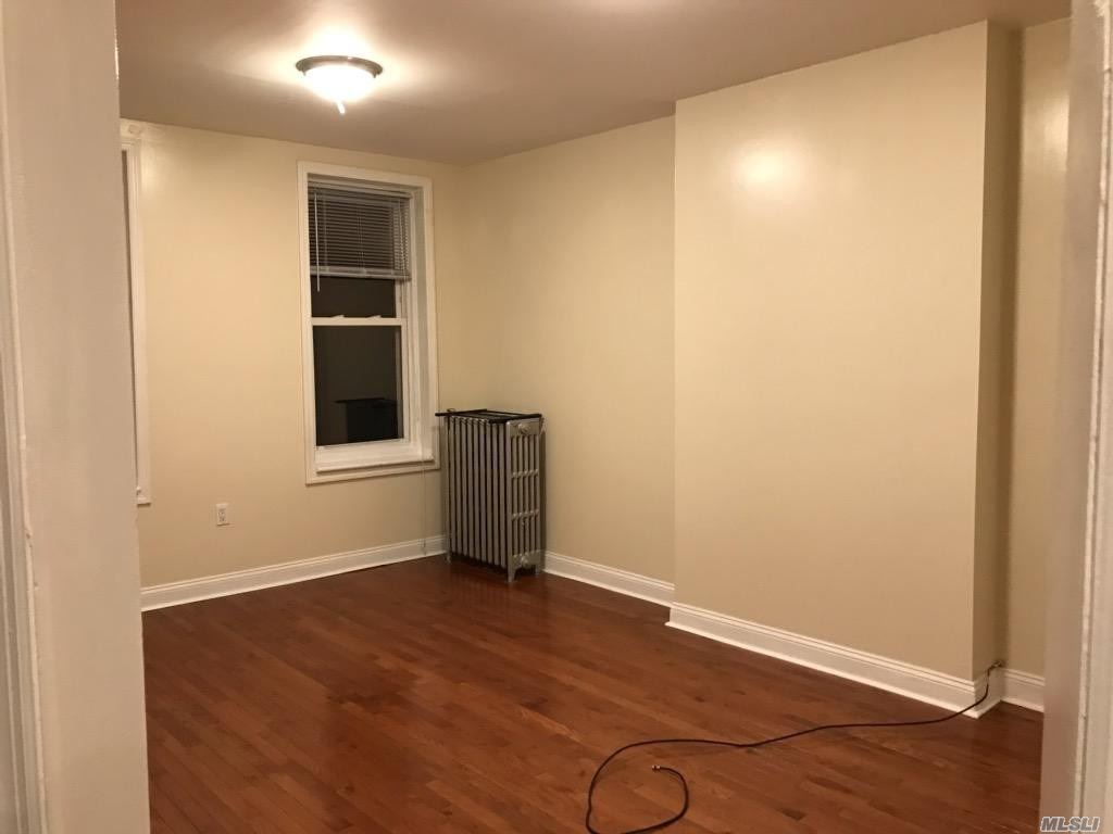Renovated 3 bedroom apartment in Woodhaven north of Jamaica Heat, water, and cooking gas included Clean spacious close to transportation, schools and stores