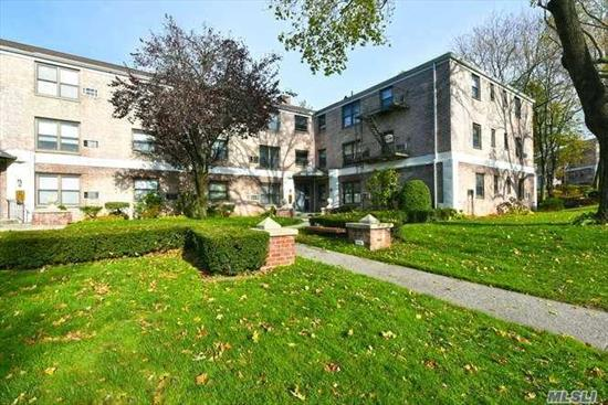 Welcome to this Pet Friendly Complex & enjoy all the private amenities including Olympic and Kiddie Pools, Volleyball/Basketball Courts & Playground with a Party Room and Security Patrol. Enjoy a top floor unit boasting spacious & sun drenched rooms with hardwood floors and conveniently located.