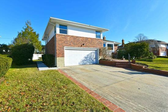 Property Has Been Fully Renovated Featuring New EIK, SS Appliances, Open To DR, Beautiful New Wood Floors, 3 New Full Bathrooms, MBR With Bath, Bright And Airy. Must See!!! SD#4 Plainview/OB. Minutes to LIRR. Near public transportation.