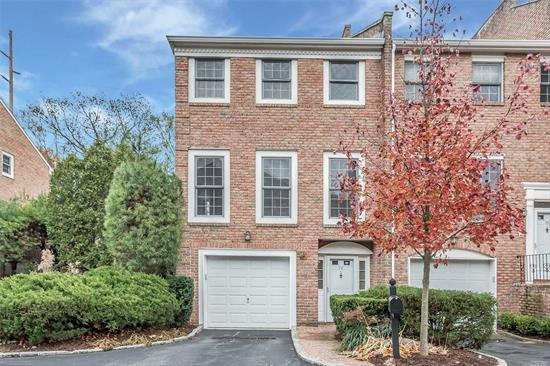 Georgetown Commons is a small Townhouse community with only 28 unit. Immaculate unit with hardwood floors throughout... Three level of living. Large master bedroom with large bath & many closet. The second bedroom also has its own bathroom. Close to Manhasset LIRR. Wont Last!!