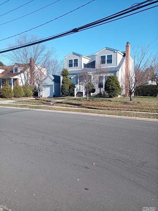 Lindenhurst, NY Real Estate & Homes for