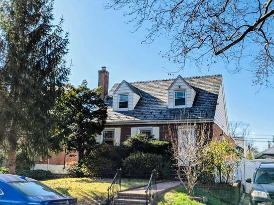 Well Maintained House With Great Layout In The Heart Of Bayside Hills. Hardwood Floor and a lot of closets. School District #26, close to schools, highway, shopping and express bus to Manhattan. Great for investment and residential.