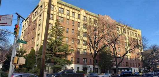 Located in the Heart of Kew Gardens in Pre-War Era Building.This quaint 1 Bed 1 Bath is a perfect starter home for anyone who wants to be close to everything.Amenities Include Laundry Room, Storage Room, Bike Room, Modern Intercom System, and Live in Super. In need of little TLC