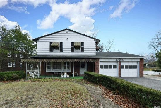 The Absolute Best Value here with Roslyn Address, Herrick Schools & Searingtown Location. The Best of All 3 Combined here in this Beautifully well maintained 3000 Sqft. home w/ Spacious Master Bedroom w/ En Suite, 3 Additional Large Bedrooms, 3 total Baths, Warm & Delightful Den w/ Fpl, Formal Living Room w/ 20' Ceilings, Large Eat in Kitchen and Great Sunroom. Bring your ideas and dreams and make this your forever home! Walk to Shopping, Houses of Worship & Public Trans. Herrick Schools!