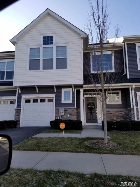 Country Point Townhouse Rental On Cul-De-Sac In Huntington Station Built In 2016, Spacious 2800 Sq Ft, 3 Bdrms, 2.5 Bths, Granite Custom Eik, Family Rm, Cac, Bsmnt, Walk Up Attic(Storage), W/D , Includes All Amenities Of Community, Pool, Club House, Sundeck, 24 Hr.Fitness Center, Bbq Area, Fireplace Pit, Walking Distance To Lirr Station, Minutes To Huntington Village, Shopping & Restaurants