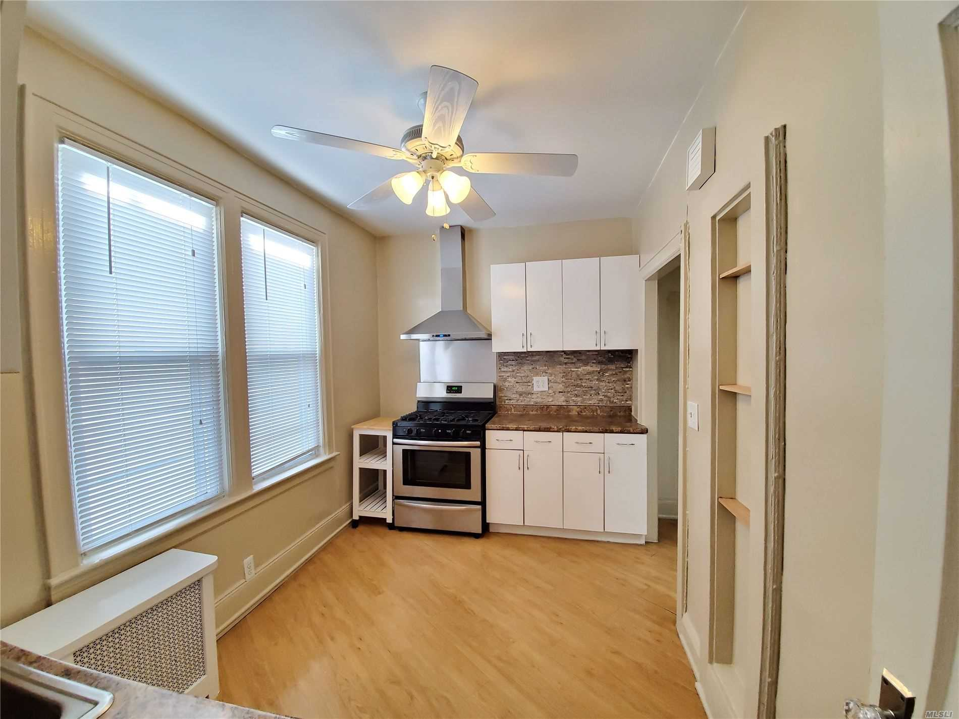Beautiful spacious one bedroom apartment in the heart of East Elmhurst. Steps away from northern and all shopping and transportation. Must see to appreciate this well maintained residence.