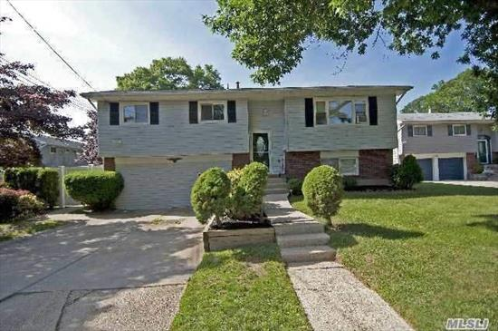 THIS PROPERTY IS IN EXCELLENT CONDITION!