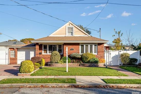 Come see this beautifully cared for home in the heart of Elmont. This home features a renovated kitchen, 3 bedrooms, 2 full baths, and formal dining room, office, den/sun room, finished basement, central air, and an entertainers backyard.