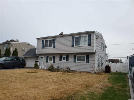 Beautiful Exp Levitt Ranch for rent featuring 6-7 Bedrooms, 2 Bath in prime location in Wantagh. Oversized Livingand dining. Open concept plan with brand new kitchen and new floors.