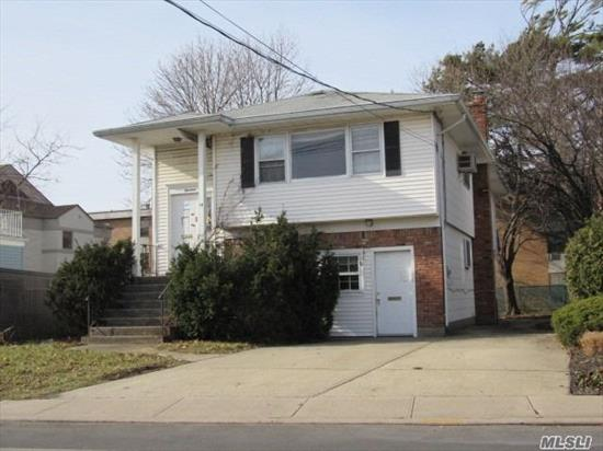 Welcome Home! Come See This Large And Spacious Hi Ranch Located In The Desirable Rockville Centre! Featuring An Eat-In Kitchen, A Basement For Storage, And Great Convenience To Transportation, Morgan Days Park, And All Your Shopping And Dining Needs! Don't Miss Out On This Great Opportunity!