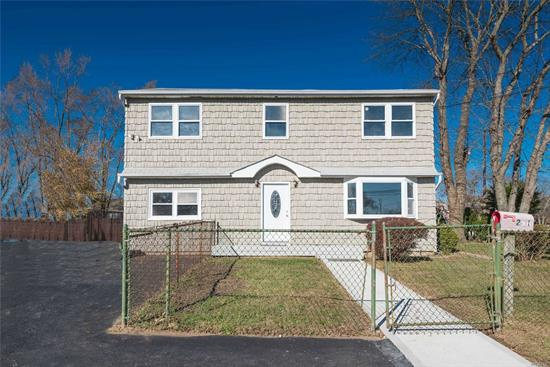 Beautiful Large House Fully Renovated. Brand new kitchen and appliances. Granite Countertops, Extra Large Rooms. Possible Mother/Daughter with Proper Permits.