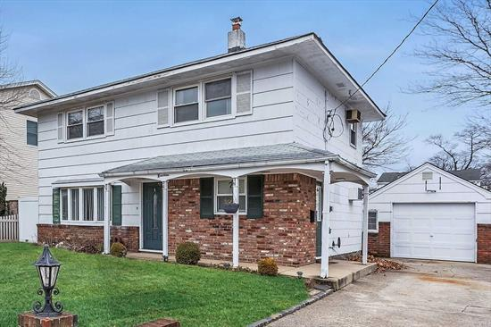Move-in condition 4 bdrm 2 bath Old Lindenmere colonial. Updated kitchen, bath, electric. Freshly painted. Detached garage. Convenient to all!!