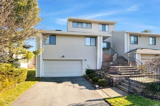 Desirable Woodbury Greens condo community. Well sought after Briarwood end unit. Great location backing pond. Main level master suite (not 1st floor). Lower level has sliders to the yard. 3 zone heat & 3 zone CAC. community Pool & Tennis Cts. 2900 Sq Ft inc lower level with sliders to yard